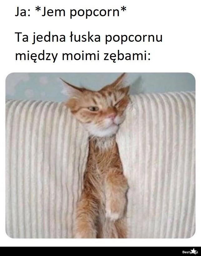 Jedzenie popcornu